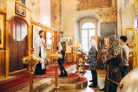 крещение, крестины, церковь, фотограф на крестины, фотограф москва, фотограф владимир, фотограф в москве, семейная фотосессия, семья, церковь, бабушка, дедушка, дети, младенец, свечи, портрет