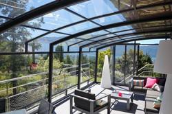 corso-patio-enclosure-for-small-hotel.jp