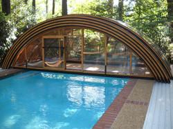 pool-enclosure-universe-nice-round-shape