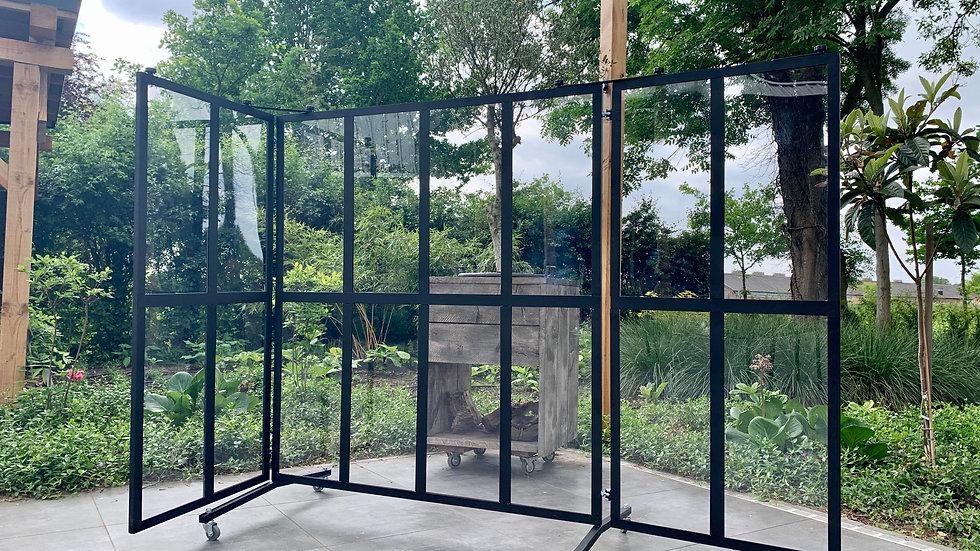 Protective screen / windblocker 16-window