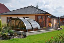 hot-tub-enclosure-oasis-by-alukov-08.jpg