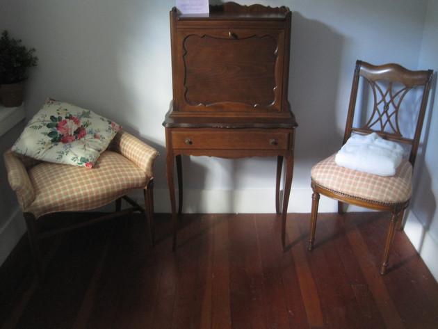 Vintage furniture in guest room 1