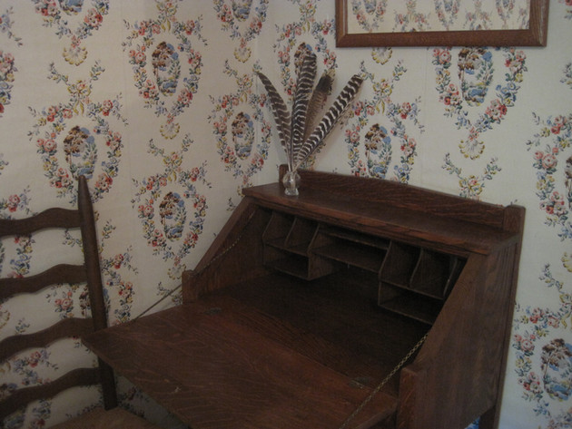 Vintage writing desk for working on the go