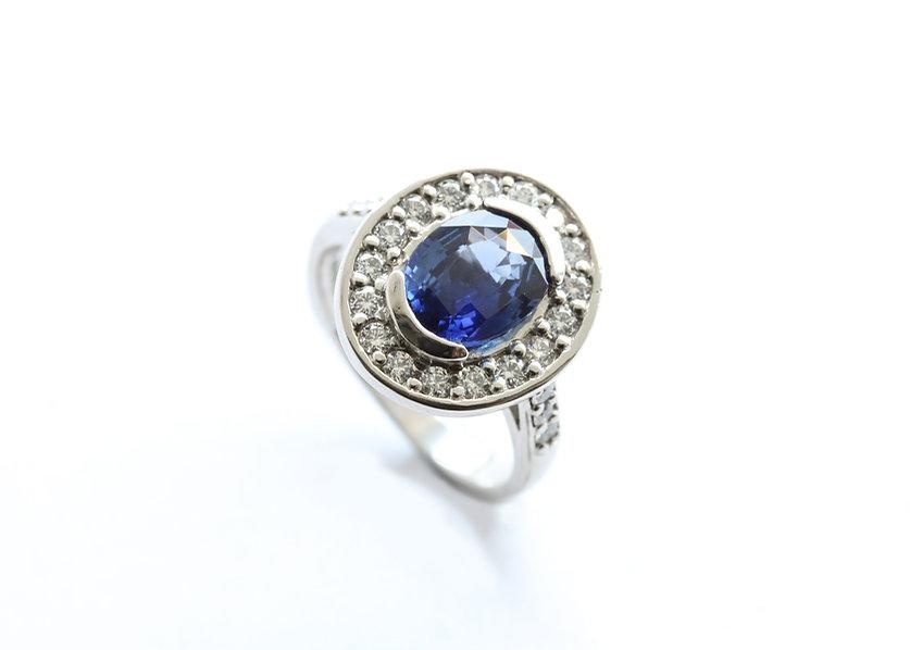 Unique sapphire and diamond cluster