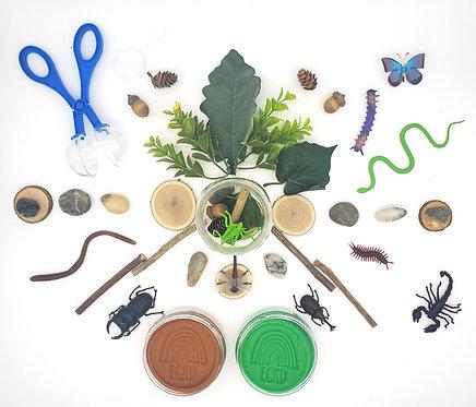 Backyard Bug Adventure Play Set (Dough and Themed Play Set)