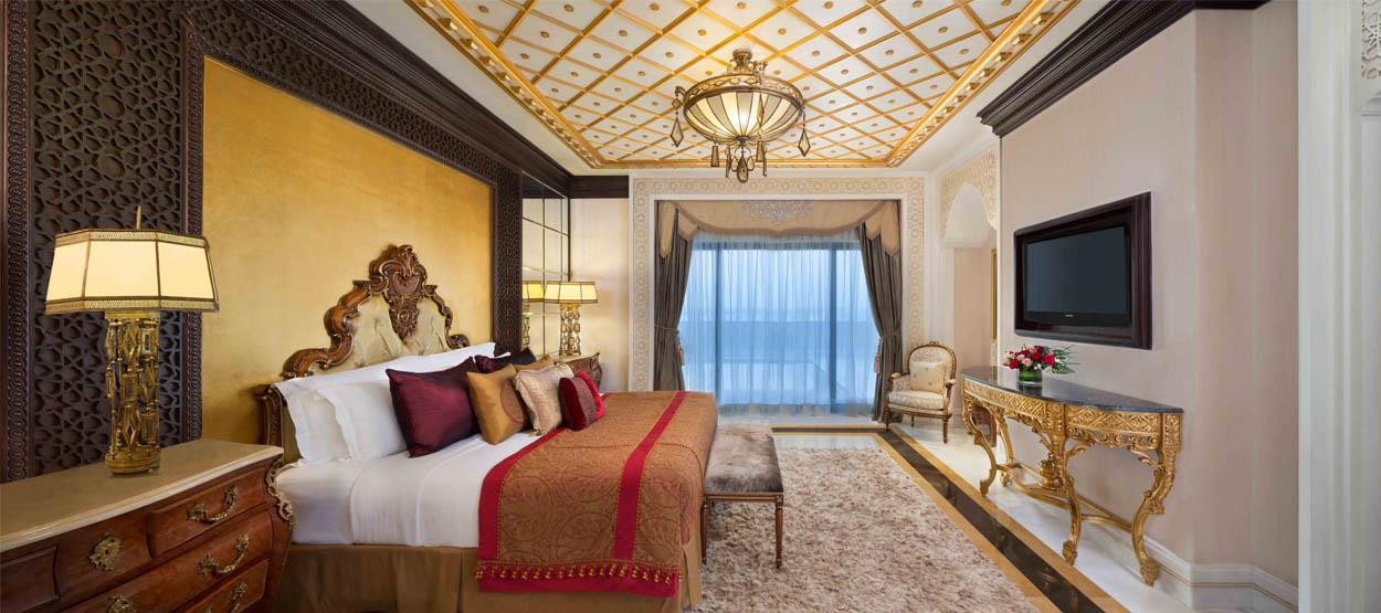 jumeirah-zabeel-saray-imperial-suite-bed