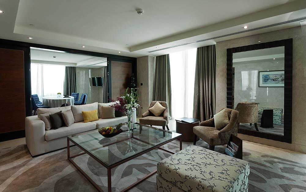 king-suite-3.jpg