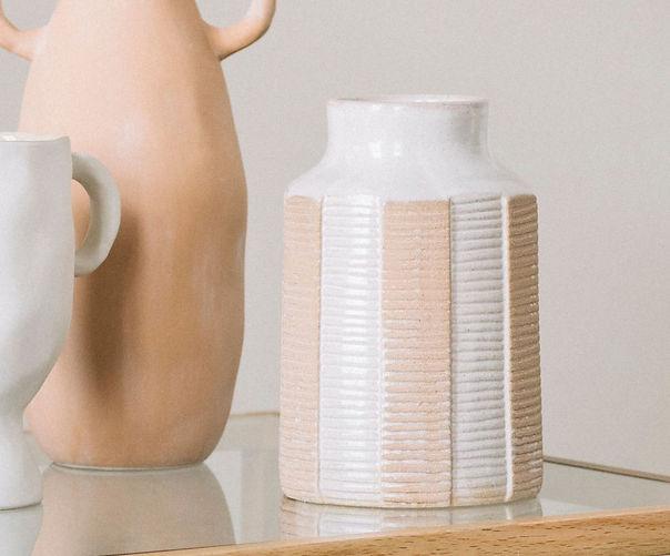 jarron-de-ceramica-con-lineas-terracota2