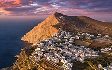 Son chef-lieu Chora classé parmi les 7 plus beaux villages d'Europe