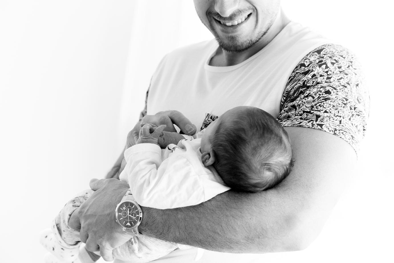 photographe-naissance-bebe-famille-portr