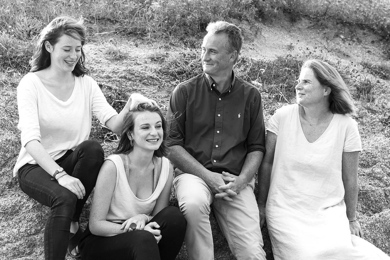 photographe-famille-rire-portovecchio-co