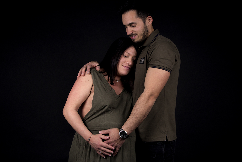 photographe-grossesse-studio-femmeencein