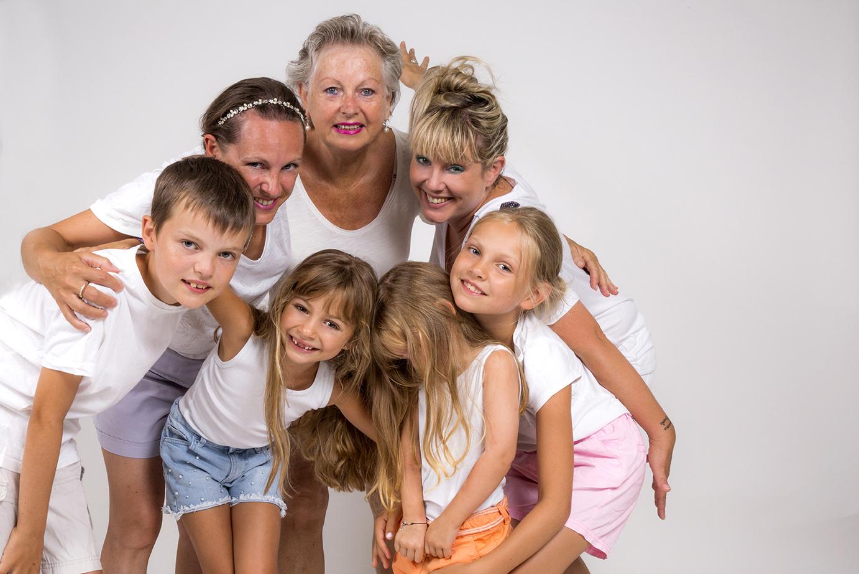 photographe-studio-enfants-famille-portr