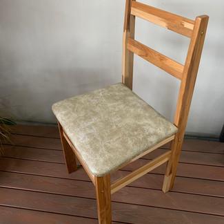Cadeira Teca Estofada