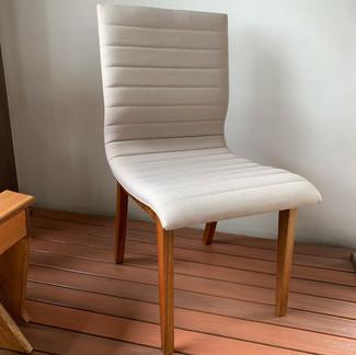 Cadeira Estofada Bari