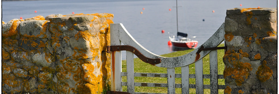 Gates to harbour