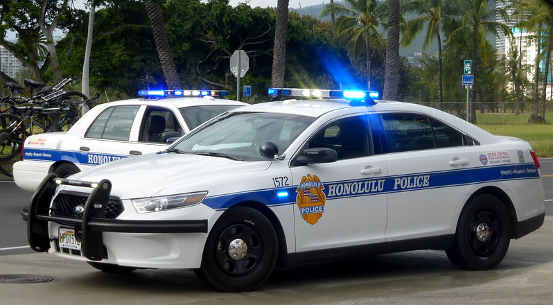Twohonolulupolicecars-oct2015.jpg