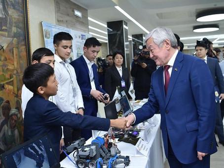 Время работать и развиваться - Бердибек Сапарбаев встретился с молодежью Шымкента