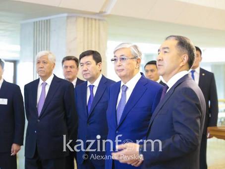 Бакытжан  Сагинтаев - о строительстве общежитий в Алматы: Работа идет медленно