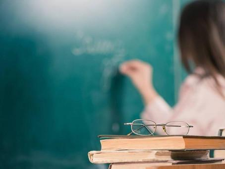 Возможность повышения зарплаты преподавателей вузов прокомментировали в Правительстве