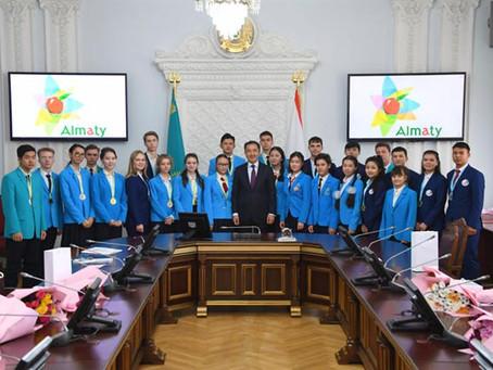 Особый значок для талантливых школьников хотят учредить в Алматы