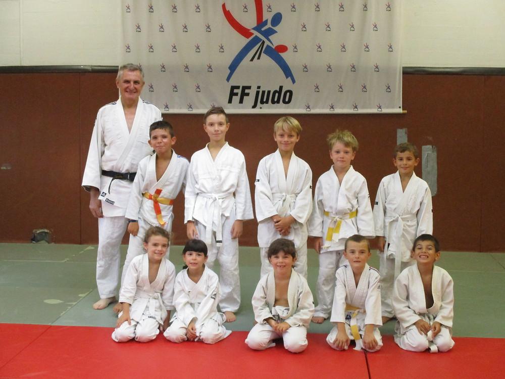 Découverte du judo pour 10 enfants dans le cadre des sports ZAP