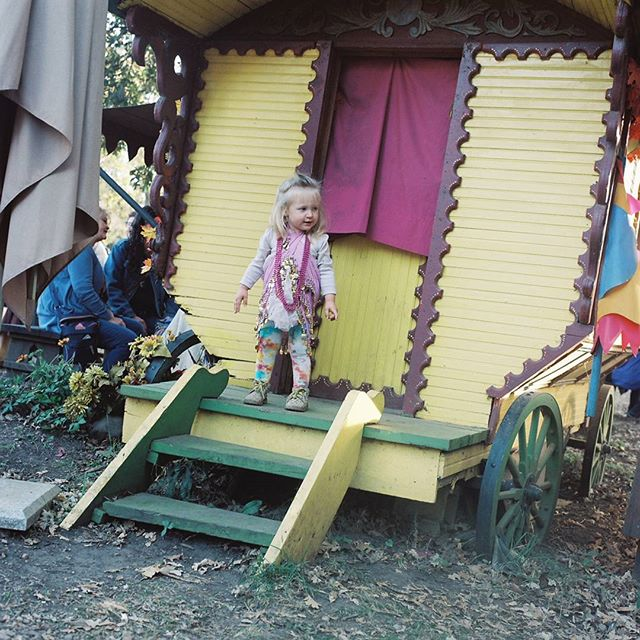 Mama this is my stage, watch my show! #nofilter #120film  #minnesotarenaissancefestival