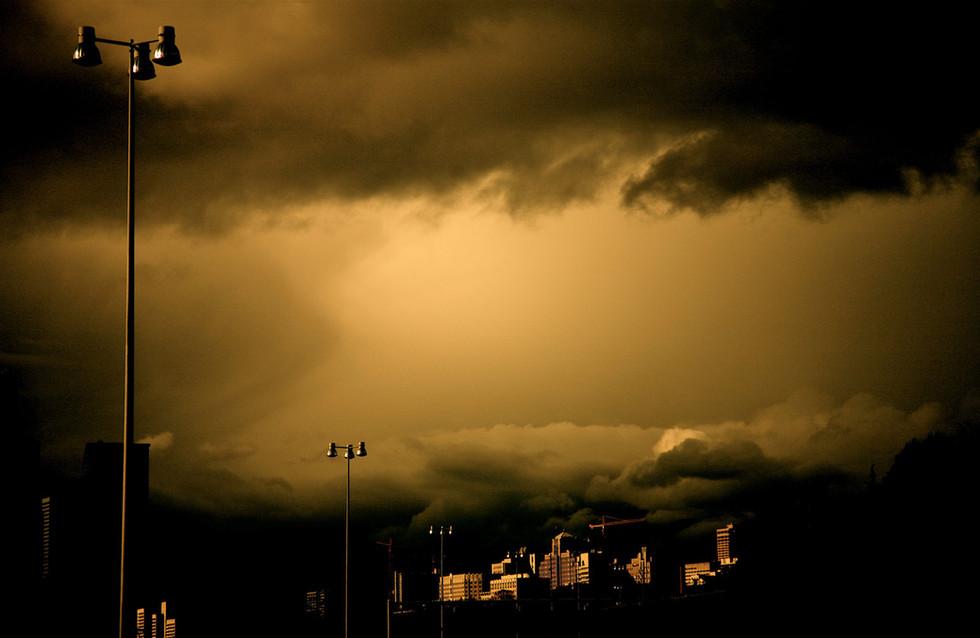 Calm_before_the_storm_by_peterwaweru.jpg