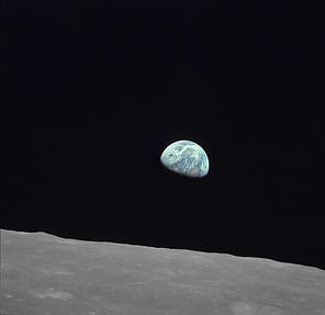 EarthRise_small-Free of Copy Rights.jpg