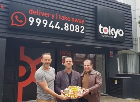 Tokyo Sushi Lounge reabre com duas operações de delivery