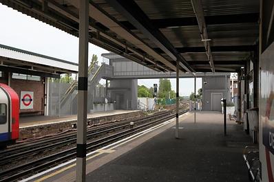 London Underground - Step Free Access.pn