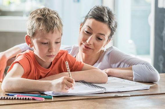 Как помочь ребенку справляться с домашней работой.jpg
