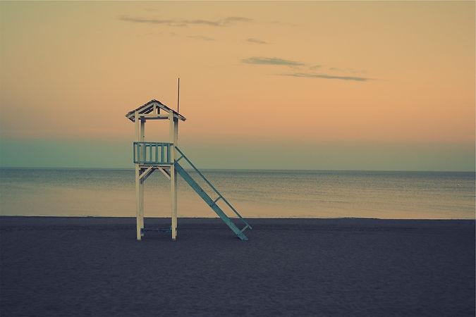 beach-677785_1920.jpg