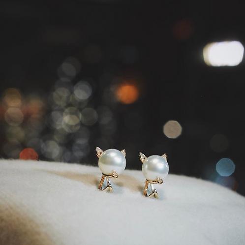Mew de IronLady Pearl Earrings