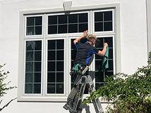 Window cleaner, New Berlin, Fall windows, window washer
