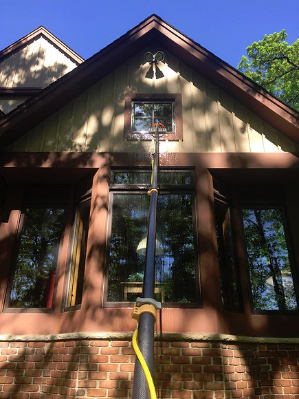 Pure Water Window Cleaning in East Troy