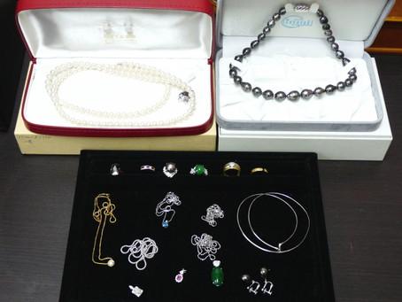 須磨のW様から宝石ジュエリー,真珠を買取|須磨区・垂水区で売るならE-brand(いーぶらんど)へ