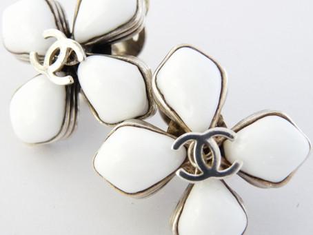 名谷のS様から昔のシャネルのイヤリングを買い取り|須磨区・垂水区で売るならE-brand(いーぶらんど)へ