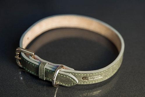 1.9cm wide stitched collar