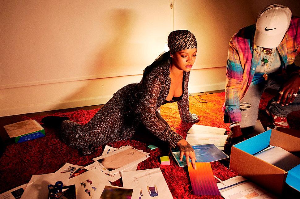 Bazaar Rihanna 4.jpg