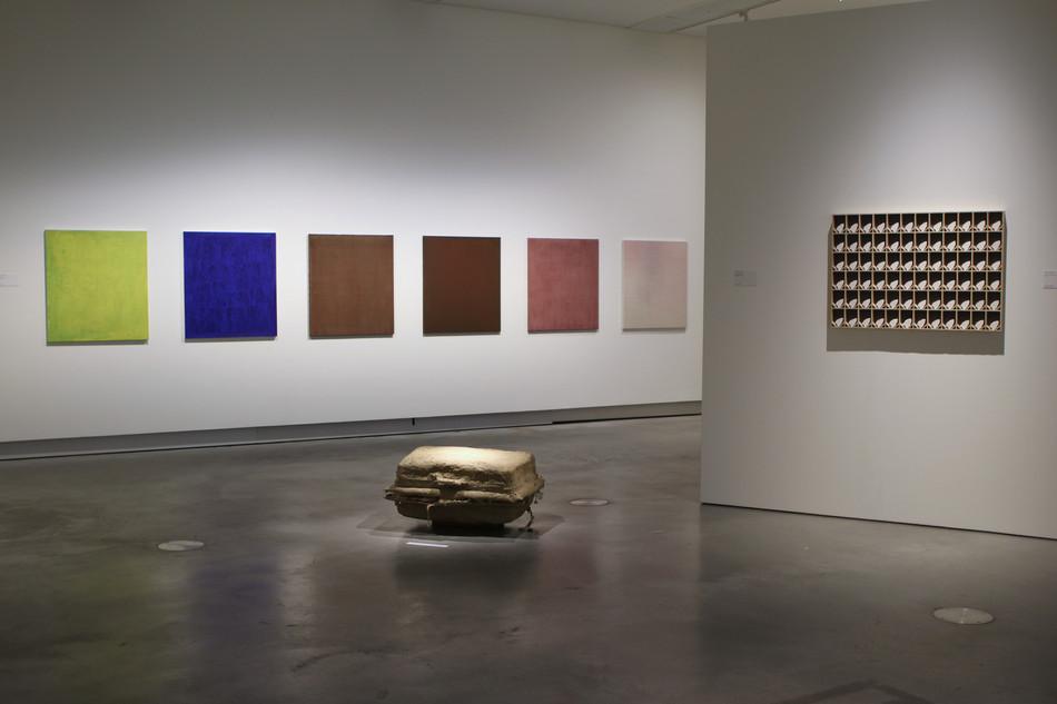 Stedelijk Museum Breda, 2019, Raketstart on the floor: Tom Claassen - right: Margot Zweers