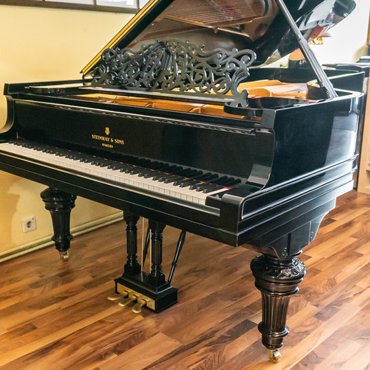 Steinway & Sons Mod. D-274
