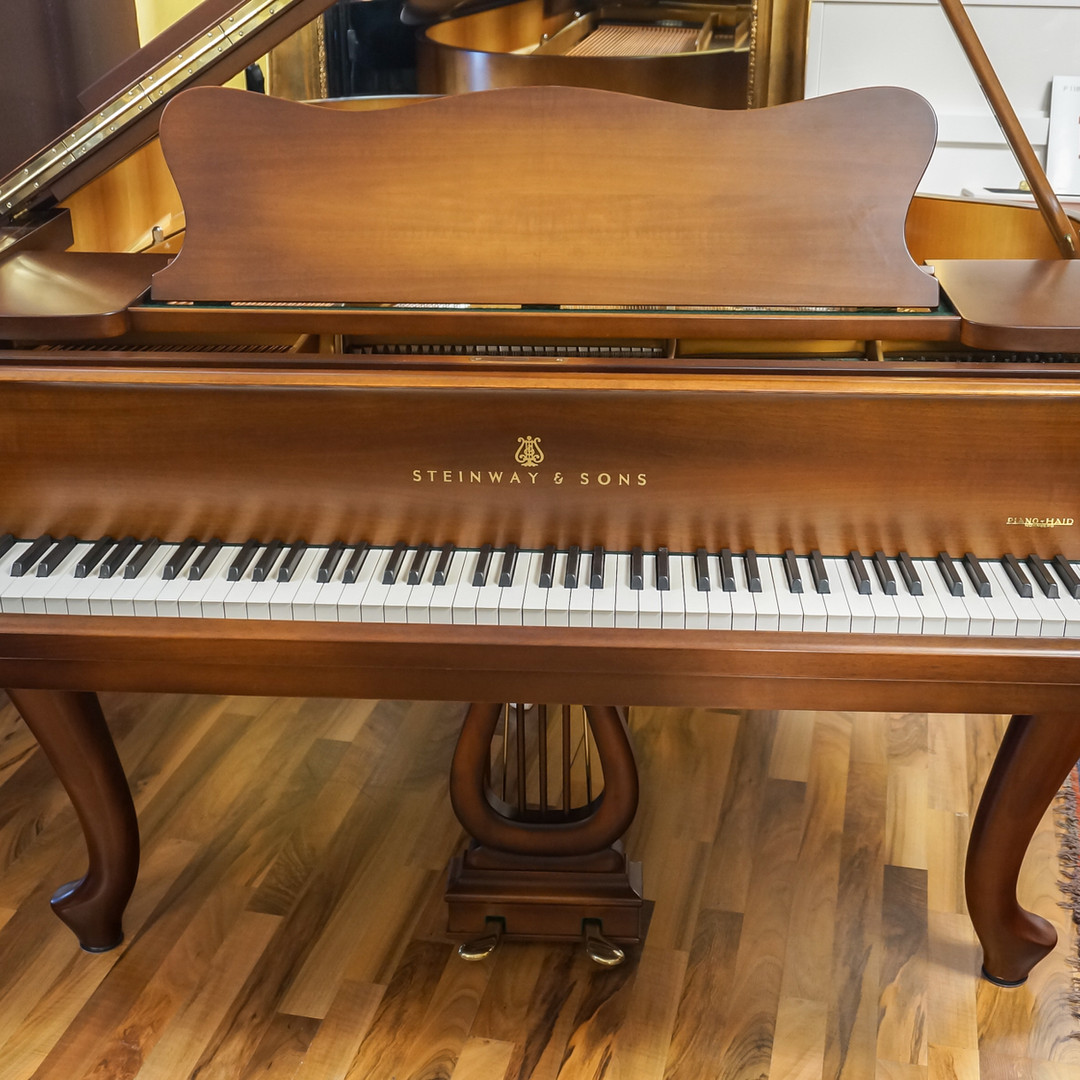 Steinway O Chippendale