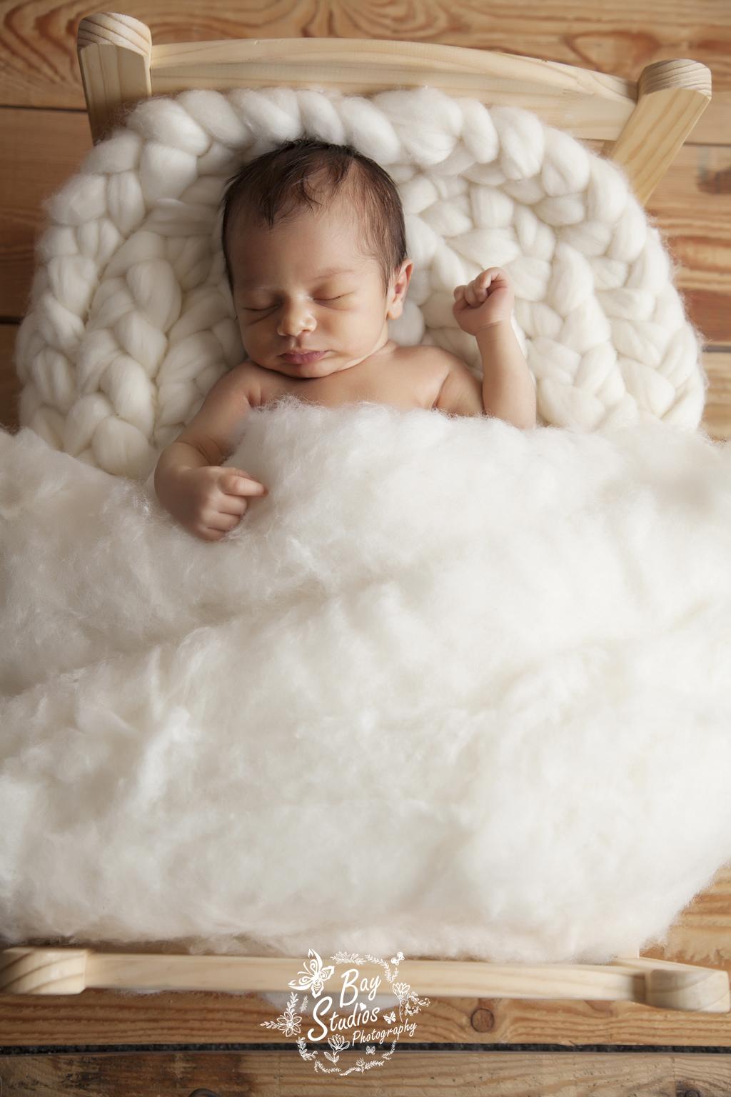 neugeborene fotoshooting, neugeborene fotograf, fotostdio aarau, www.baystudios.ch, familie fotograf