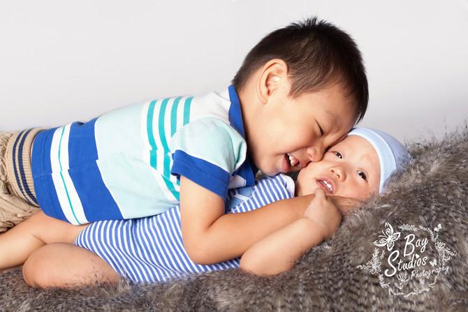 Familien-Fotoshooting mit Baby + Kleinkind . - Familienfotograf Babyfotograf Aarau Schweiz Familien