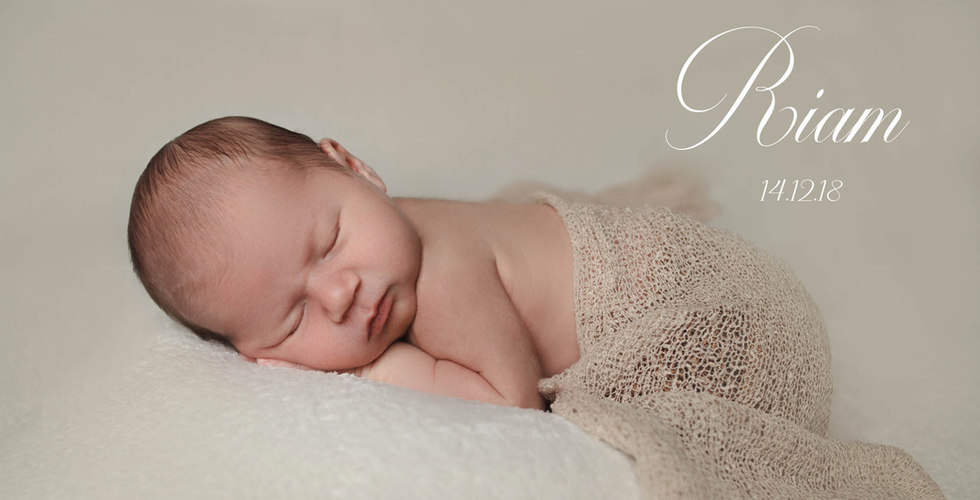 Riam im Schlaf durch den Babyfotograf abgelichtet