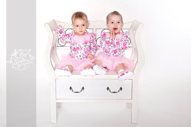 Zwilling Fotoshooting Kinderfotograf Babyfotograf 20 min von Zürich, Bern,Basel, Luzern mitten in Aa