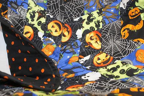 halloween table top quilt