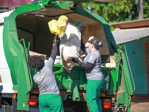 Trabalhadores da Coleta Seletiva encontram chaves perdidas por moradora em Foz do Iguaçu