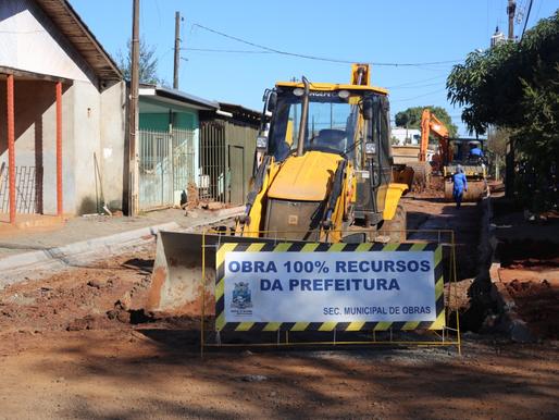 Rua Edmundo de Barros é preparada para pavimentação